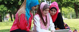 Muslimah Fashionistas