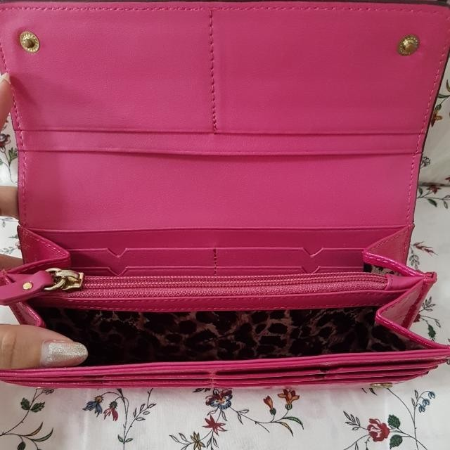 Anyone keen in VS Leather Wallet? Going for $60 only