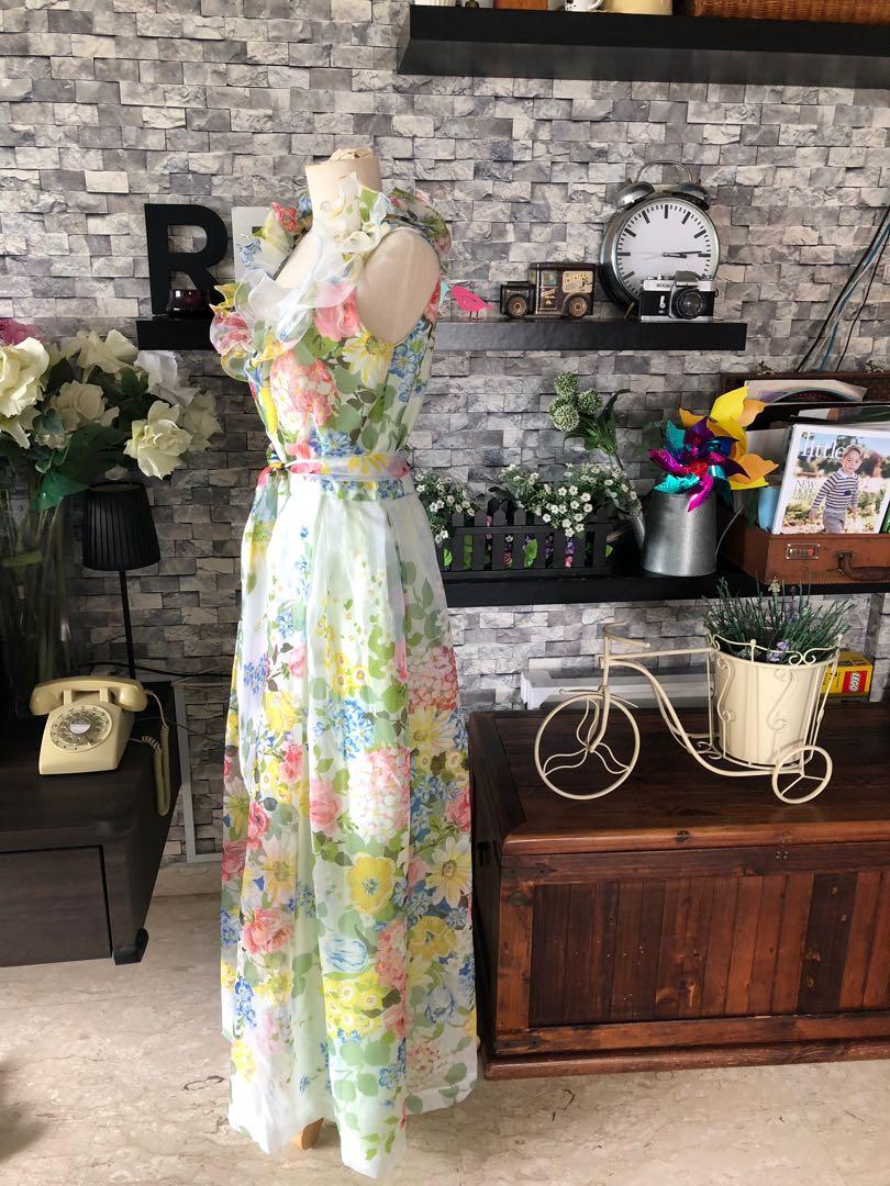 Vintage dresses for your shoots 🦄🌸