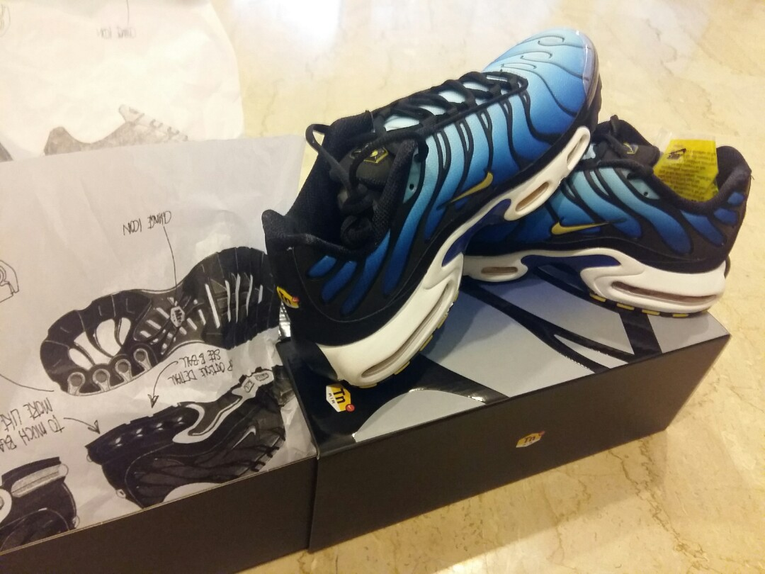 info for ff88b 17bff Selling Nike Air Max Plus OG Hyper Blue