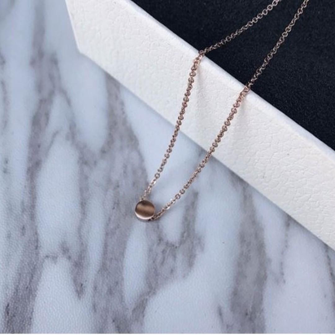Minimalist Round Short Necklace