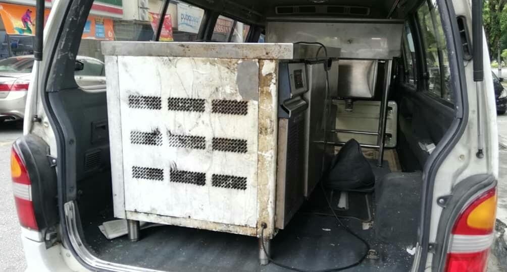 mover transport delivery towing tunda motor meja katil transport