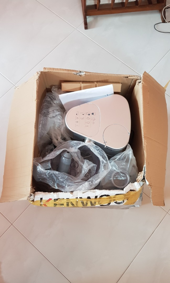 Anyone knows someone who can fix a Kenwood mixer