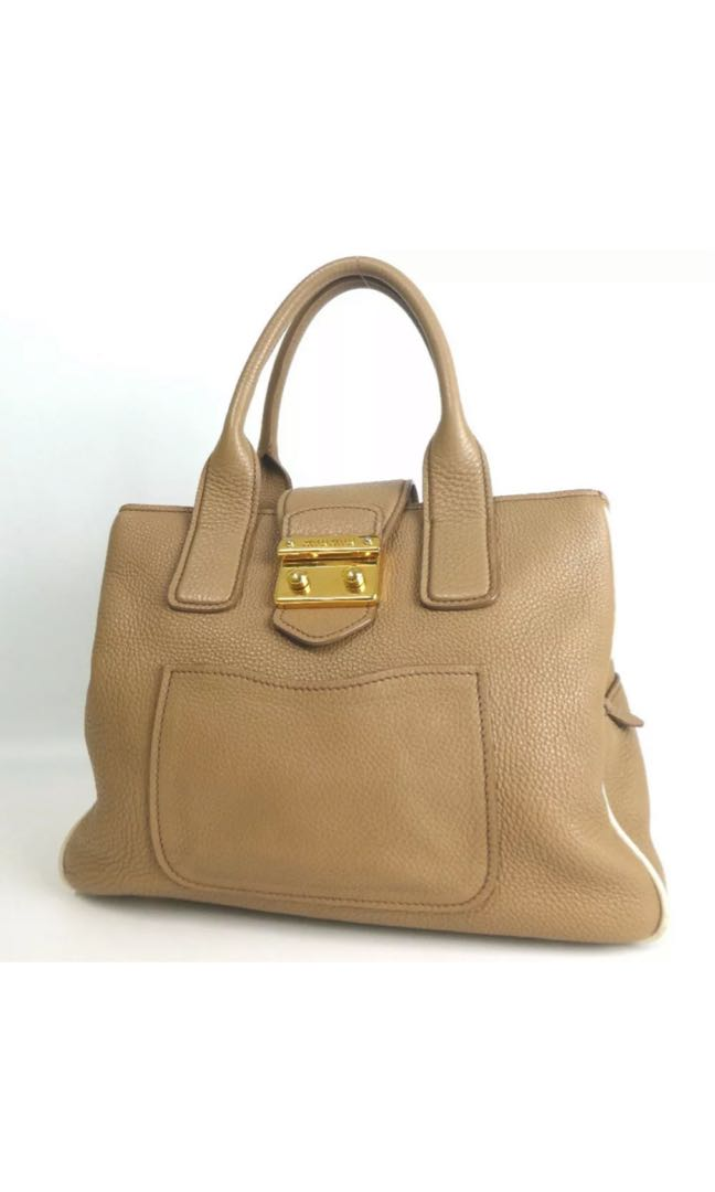 Check out my Peofile , lots of cheap, branded and authentic beautiful bags.