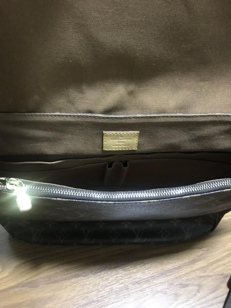 Louis Vuitton Messenger bag (Unisex)