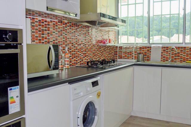Sri Cassia Apartment, Corner Unit, Bandar Puteri, Puchong for Rent!