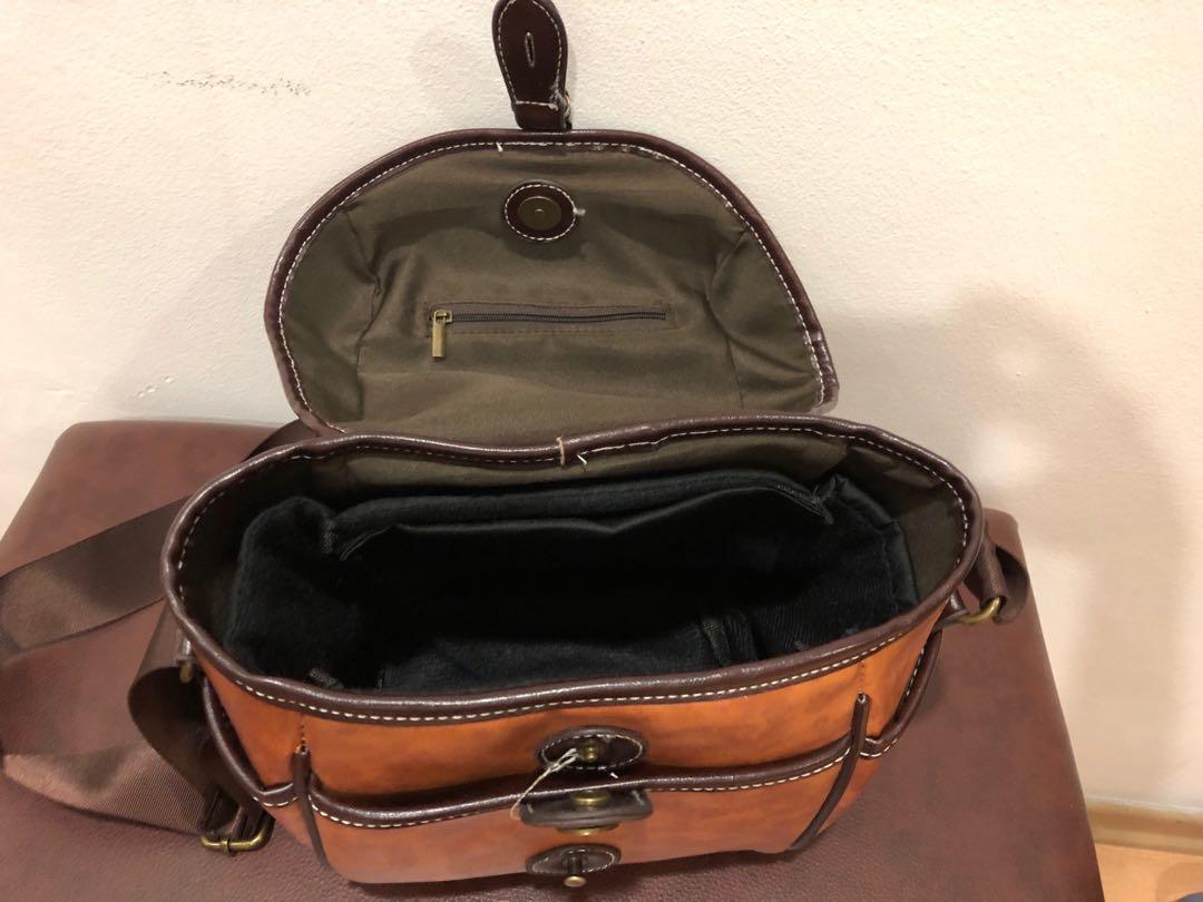 Vintage looking camera bag