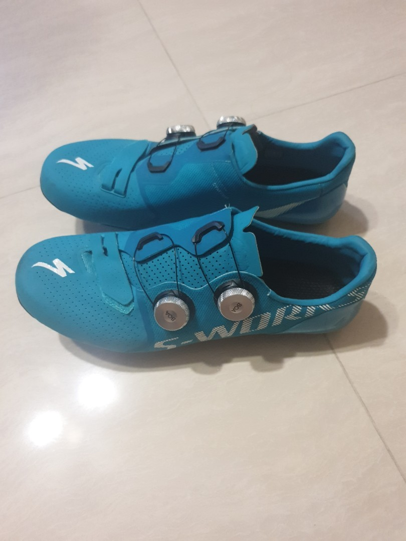 selling my sworks shoe away