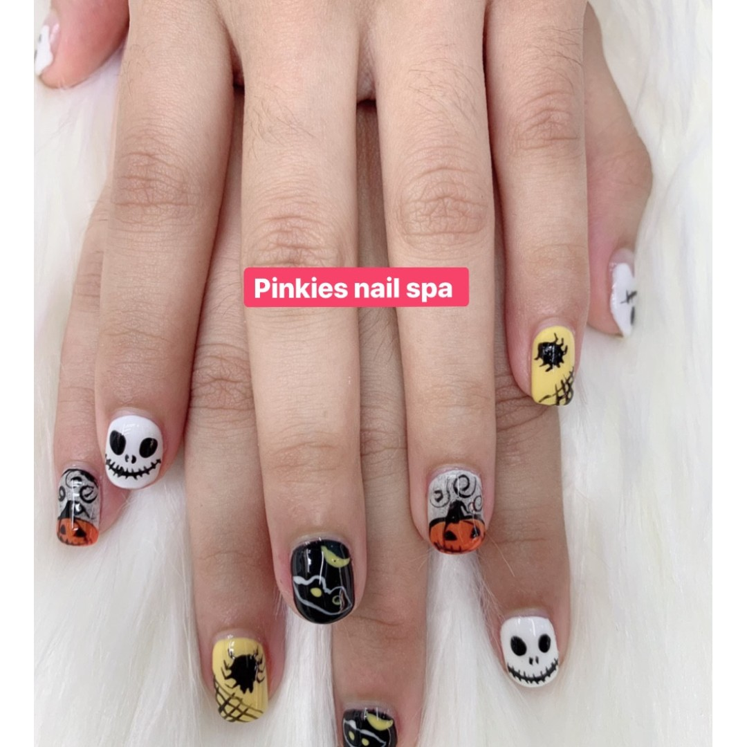 Halloween Promotion 😍Pinkies Nail Spa😍 @ Bugis Street, # 03-124